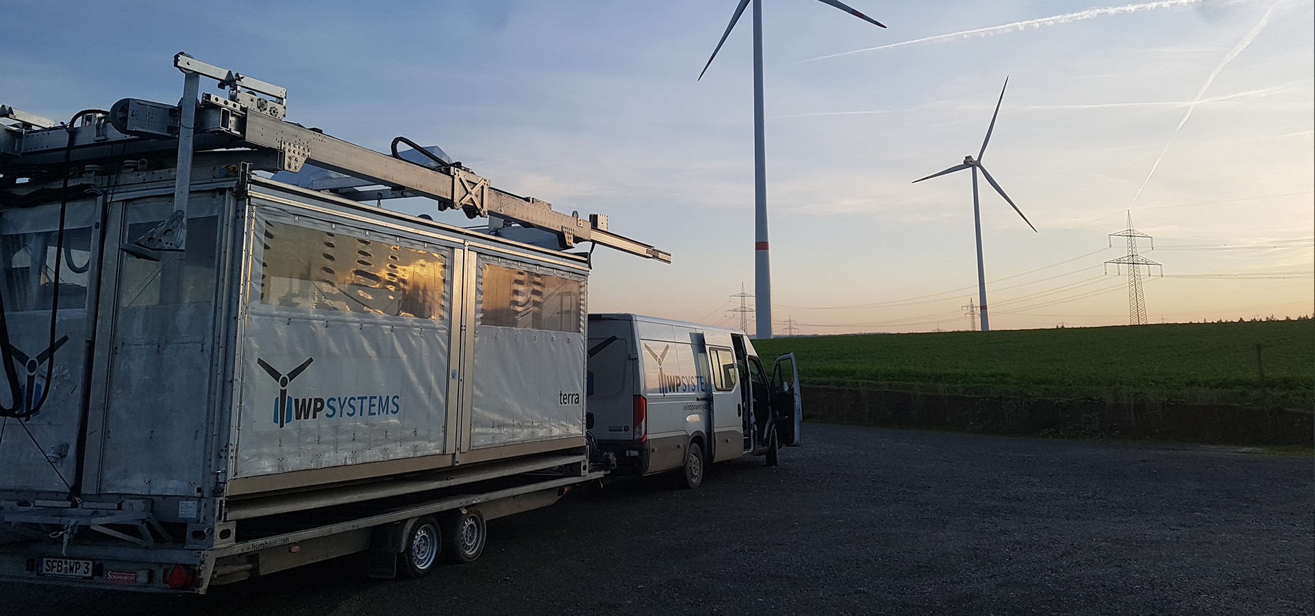 Rotor blade access system terra 1.1 can be rented for your next job.